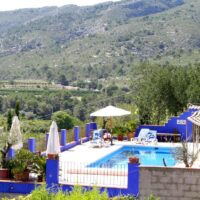 Charming B&B, 9 Bed, 9 Bath, with pool and garden, 25 km from the beach
