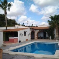 Detached Villa with private pool and Garage in Albatera